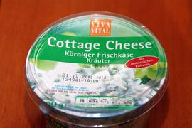 Cottage Cheese mit Käutern.JPG