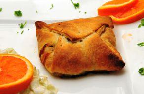 Blätterteigtaschen Mit Pilz Gemüsefüllung Und Salat Koch Wiki