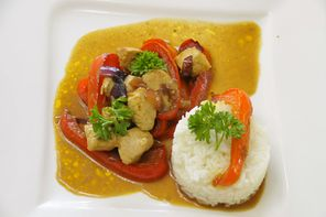 Curry-Pfanne mit Putenbrust